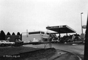 Coxwell Road Garage 1986