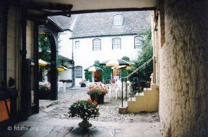 Crown Courtyard 1994