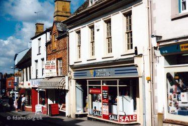 London Street 7 11 1990s