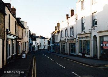 London Street Down2