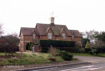 Oriel Cottages 2000