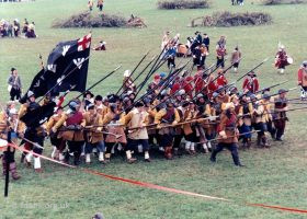 Sealed Knot Pikemen 1995